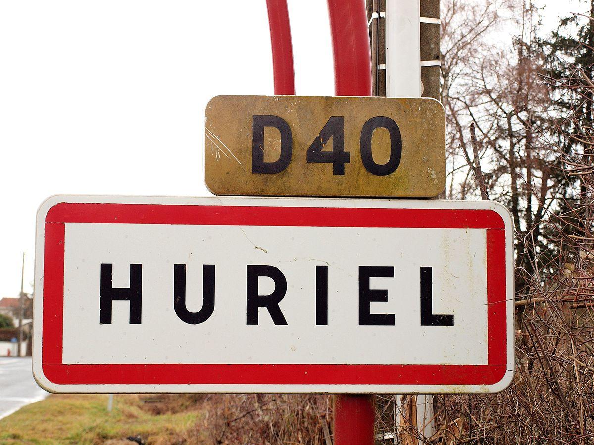 Huriel-FR-03-panneau_d'agglomération-2